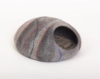 Cat bed cave house dark grey felted cat cave