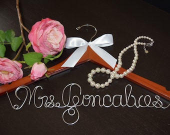 "Bridal Hanger with ""ONE LINE of TEXT"" for your wedding pictures,Personalized custom bridal hanger,Wedding hanger,Bridal hanger,Bridal gift"