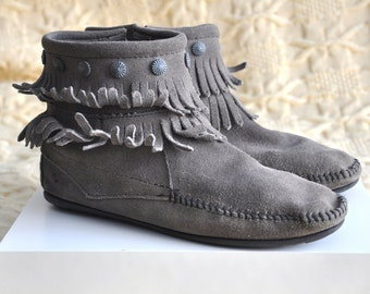 Vintage gray suede Minnetonka mocassin boots, ankle booties, fringe festival boots, native american / hippie / boho/ boots