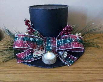 Frostys hat christmas greenery decor