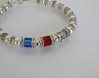 Mother's Birthstone Bracelet, Birthstone Bracelet, Swarovski Birthstone Bracelet, Pearl Bracelet, Pearl and Crystal Bracelet, Custom Jewelry