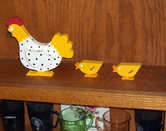 """The """"Oviedo"""" Chicken with 2 Chicks, Woodworking by Sniffwhiskers"""