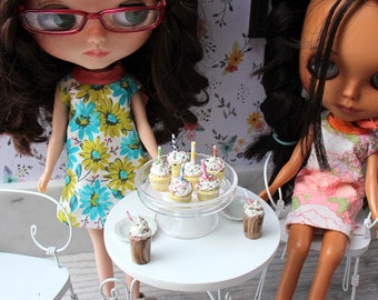 6 Yellow Birthday Cupcakes with Candles and Sprinkles for Blythe Barbie Monster High 1/6 Scale Playscale