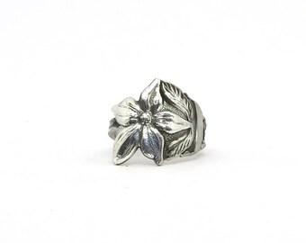 Elegant Dogwood blossom ring, flower ring,  spoon ring