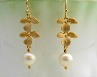 Orchid Pearl Drop Earrings, Dangle Earrings, Wedding Jewelry, Bridal Party, Bridesmaid Jewelry