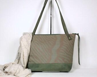 Zippered Tote Bag in SIlk Screened Fabric, Hand Printed Textile Tote, Hand Printed Shoulder Bag, Silk Screened Shoulder Bag, Smaller tote