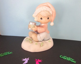 PRECIOUS MOMENTS 1998 Peas on Earth - Christmas figurine -  collectible  - Christmas decor - collectible figurine - Enesco