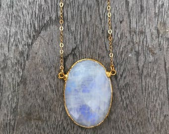 Moonstone Gold Necklace // Rainbow Moonstone Necklace //Large Moonstone Necklace // Oval Moonstone Necklace // Moonstone Pendant Necklace