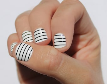 White & Black Stripes Nail Wraps