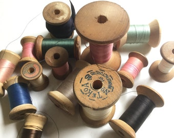 Antique collection 16 hourglass wood thread spools sewing notions lot