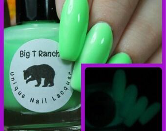 Glow-in-the-Dark Nail Polish - Green - SATURN - FREE U.S. SHIPPING - Nail Polish/Lacquer - Regular Full Sized Bottle (15 ml size)