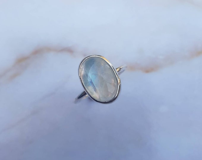 Featured listing image: Ring Moonstone Made to Size / 925 Sterling Silver / White / Milky / Handmade / BOHO / Gypset / Gemstone / Musthave / Rainbow / Custom