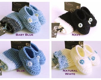Blue Baby Boy Hat and Baby Booties Set 0-3 months Crochet Newborn Gift Set