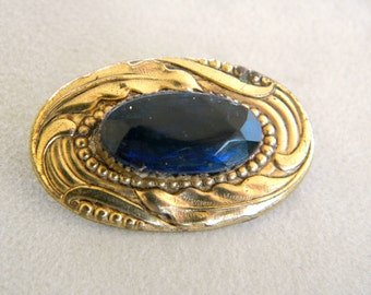 Blue Sapphire Paste Gem 1940's Brooch Bright and Beautiful
