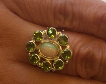 Ring 925 sterling silver, natural stones, Peridot, opal from Ethiopia iridescent reflections blue green orange - size 52/53