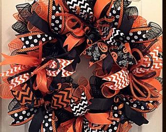 Halloween Orange and Black Deco Mesh Wreath/Halloween Wreath/Orange and Black Wreath/Fall Wreath/Autumn Wreath