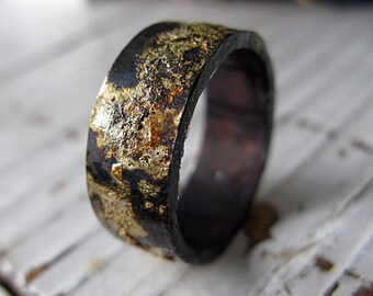 Scorched Earth Mens Wedding Band Black Gold Ring Mens Wedding Ring Unique Mens Wedding Band Viking Wedding Ring Mens Wedding Bands Rustic