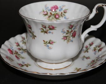 "ROYAL ALBERT Bone China Teacup and Saucer Set ""Winsome"""
