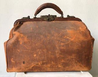 Real vintage leather old valise , doctor bag 30s .