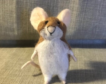 Needle Felt Mouse 'Mr Bumble'