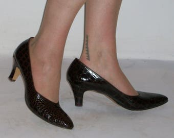 Classic early 1960s faux croc point toe heels US 9 1/2 / UK 7 1/2