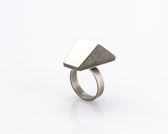 Sterling silver and concrete ring. Projet B.