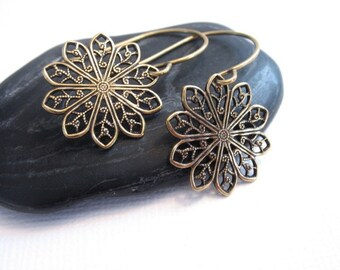 Antiqued Gold Filigree Earrings, Antiqued Gold Dangle Earrings, 14K Gold Filigree Earrings, 14K Gold Earrings, Round Filigree Earrings
