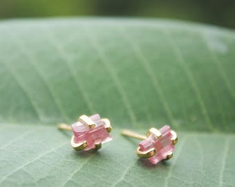 Raw Pink Tourmaline Stud Earrings in Gold Plated 92.5% Sterling Silver Claw Setting -  Raw Gemstone Studs in Gold - Rough Gemstone Jewelry