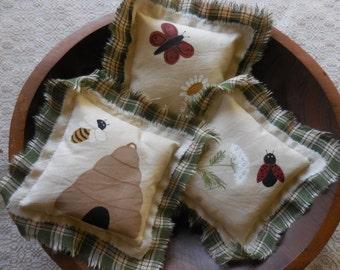 Primitive Folk Art Summer Pillow Tucks Butterfly Lady Bug Bee Bowl Fillers