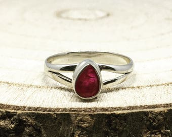 0.73ct Ruby 925 Silver Ring Size R-S