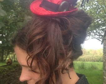 Mini Top Hat in Red with Clip