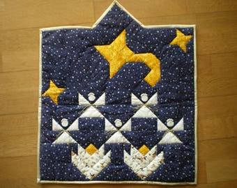 Very pretty little patchwork Christmas picture
