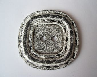 Very large square button 6.5 cm white and black matte - ref 7
