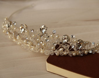 Bridal Tiara, Wedding Headpiece, Bridal Accessory made of clear crystals and ivory pearls.