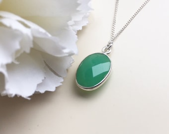 Paris GREEN AGATE bezel set agate NECKLACE silver pendant agate charm necklace natural agate pendant gift for women spring jewelry