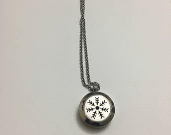 Snowflake Diffuser Locket, Christmas Gift, Essential Oil Diffuser Locket, Aromatherapy Jewelry