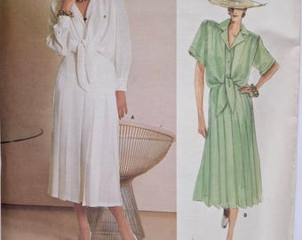 Guy Laroche Vogue 1719 Paris Original Sewing Pattern Vintage 1980s Misses' Loose Fitting Blouse Pleated Skirt UNCUT Factory Folds Size 10