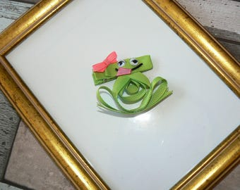 Lady frog hair clip
