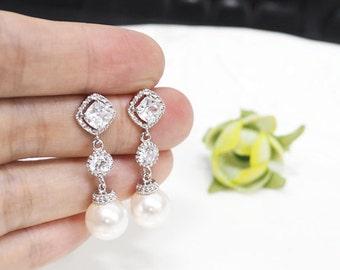 Pearl Earrings, Bridal Earrings, Swarovski Pearl Earrings, cubic zirconia earrings, Crystal Pearl earring, Bridal Jewelry,bridesmaid gift