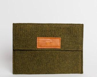 Felt Pouch, Green Medium Tablet Case