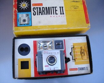 Awesome Vintage Brownie Starmite Camera Outfit - See all of our cameras