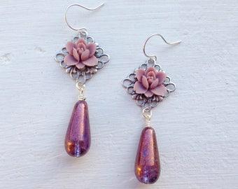 Dusty Mauve Earrings/Flower Earrings/Teardrop Earrings/Garden Wedding Earrings/Light Purple Earrings/Gifts For Her/Bridesmaid Earrings