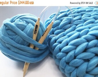 DIY KNIT Kit, 25x40 blanket, Giant Knitting Needles & Super Chunky Knit Yarn,Blanket 25x40, Chunky Knit blanket