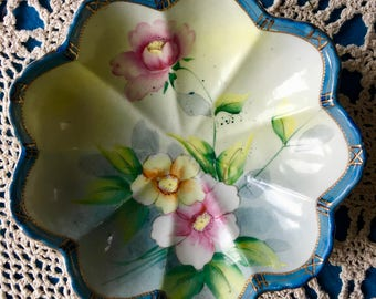 Imperial Nippon Hand Painted Porcelain China with Gold Edge Moriage Beading Trim Beautiful Scalloped Flower Bowl