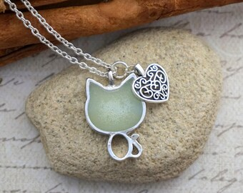 Mother Gift Glow in the dark necklace Green glow pendant animal wildlife cat neclace Kitty necklace Cat lover gift Glowing jewelry Kitty