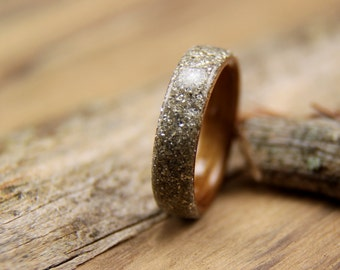 Bentwood Ring - Hawaiian Koa with Silver German Glass Glitter Overlay - Handcrafted Wooden Ring
