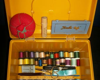 Vintage Yellow Sewing Box & Contents Sewing Notions Thread Tools