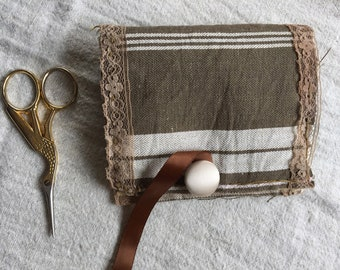 Needle Case Needle Book Hand-Embroidered French Linen Ticking Fabric Sewing Aids Embroidery Accessory