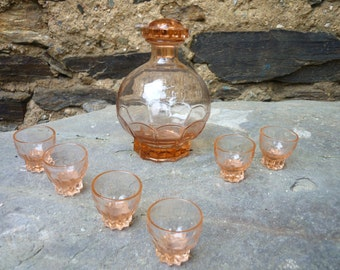 French glass liqueur/shot decanter with six glasses.