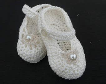 Crocheted Baby Shoes,Crocheted Baptism Mary Janes, Baby Shoes, Christening Baby Shoes, White Crocheted Mary Janes, Ivory Baby Shoes.